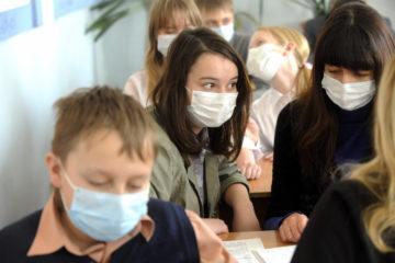 Эпидемиолог рассказал об осложнениях у детей после COVID-19