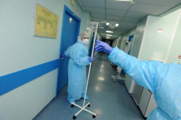 Эксперт назвал причину роста заболеваемости COVID-19 в России