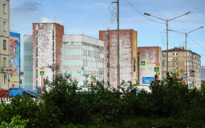 В Норильске демонтируют три аварийные девятиэтажки