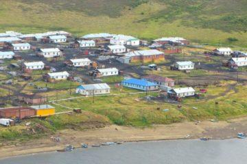Нганасанский косторез создал граффити-панно в Усть-Аваме