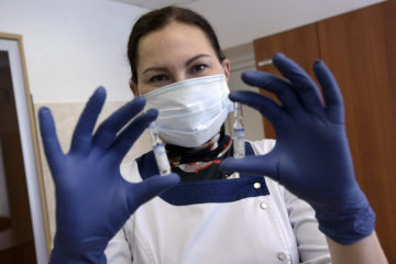 «Спутник V» эффективен против всех известных штаммов коронавируса
