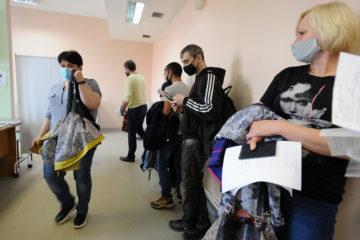 Непривитые норильчане жалуются на отстранение от работы