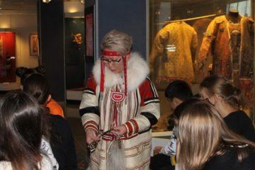 В краеведческом музее юные художники узнали о «космологии костюма» нганасан