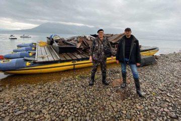 Волонтеры «Живого Севера» закрыли сезон уборки на озере Лама