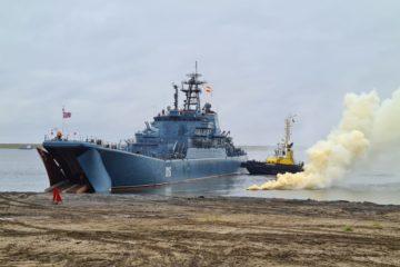 Военные моряки отработали операцию по освобождению Дудинского порта