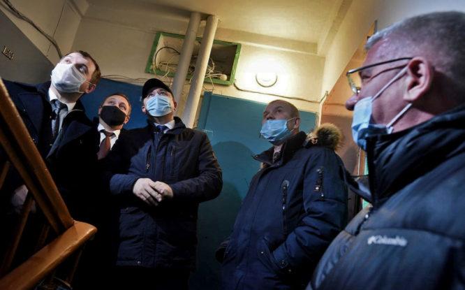 Министр энергетики и ЖКХ края осмотрел в Норильске проблемные дома