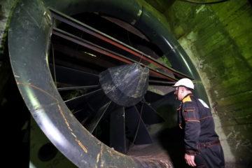 На руднике «Октябрьский» меняют вентиляторную установку